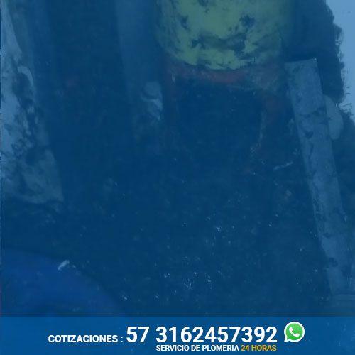 destape-de-tuberias-cartagena-trabajando